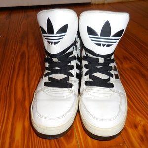 Adidas high tops sz 9.5